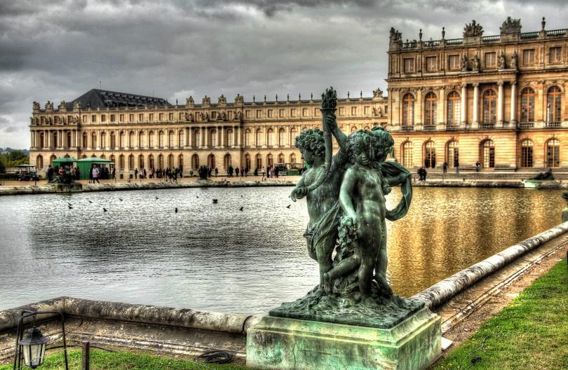 Palace Sculpture