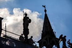 IMG_8670_Roofline Sculpture